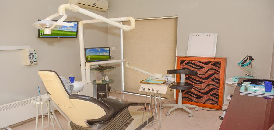 ΑΧΥΡΟΠΟΥΛΟΣ  ΚΥΡΙΑΚΟΣ - φωτογραφία από το ιατρείο