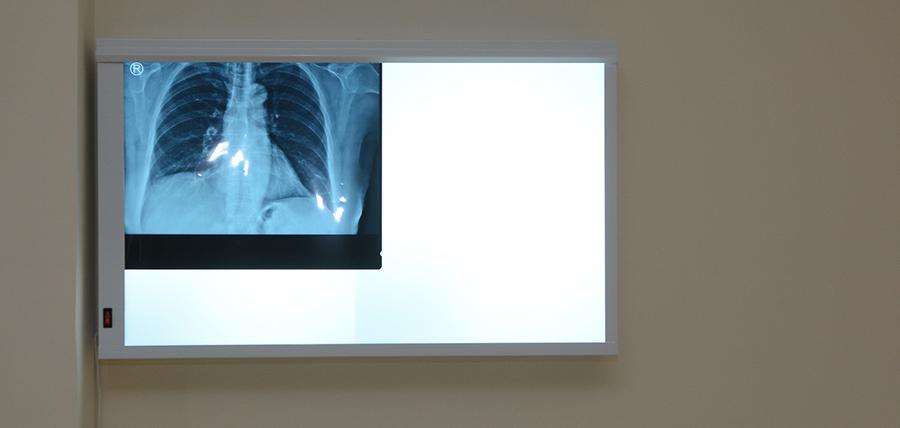 ΓΑΚΗΣ  Γ.  ΚΩΝΣΤΑΝΤΙΝΟΣ - φωτογραφία από το ιατρείο