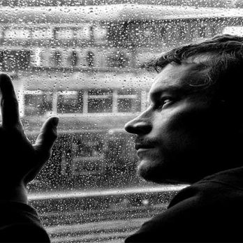 Σύνδρομο κατάθλιψης, μετά τις διακοπές cover image
