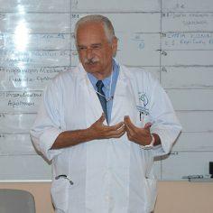 Κ. Γουργουλιάνης: Η έλλειψη πνευμονολογικών κλινικών και προσωπικού φάνηκε στην πανδημία cover image