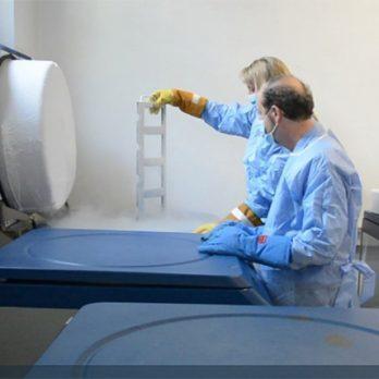 Θεραπεία για τον κορονοϊό: Εκστρατεία του «Παπανικολάου» για να βρεθούν 230.000€ cover image