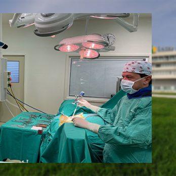 Β΄ Νευροχειρουργική Κλινική ΙΑΣΩ Θεσσαλίας: Άμεση αντιμετώπιση κατάγματος υψηλής επικινδυνότητας του 2ου αυχενικού σπονδύλου μετά από τροχαίο ατύχημα cover image