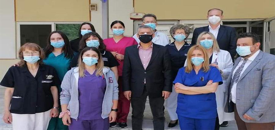 Παγκόσμια Ημέρα Νοσηλευτή:  Ο Περιφερειάρχης Θεσσαλίας Κώστας Αγοραστός κοντά  στους εργαζόμενους του ΓΝΛ και του Εμβολιαστικού Κέντρου article cover image